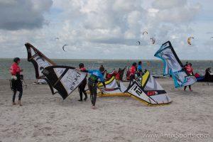 Kitesurfschool Antix Sports bij Hooked, kitesurfles Workum-2