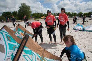Kitesurfschool Antix Sports bij Hooked, kitesurfles Workum-5