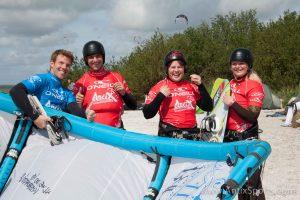 Kitesurfschool Antix Sports bij Hooked, kitesurfles Workum-6
